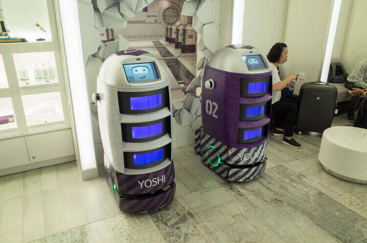 ヨーテル シンガポール オーチャードロードホテル 接客ロボット