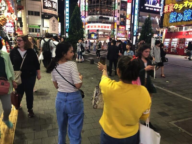 歌舞伎町を探索