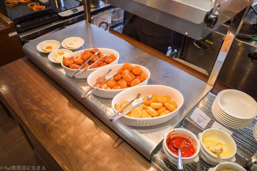 ドーミーインPREMIUM小樽の朝食ブュッフェ アメリカンな食事