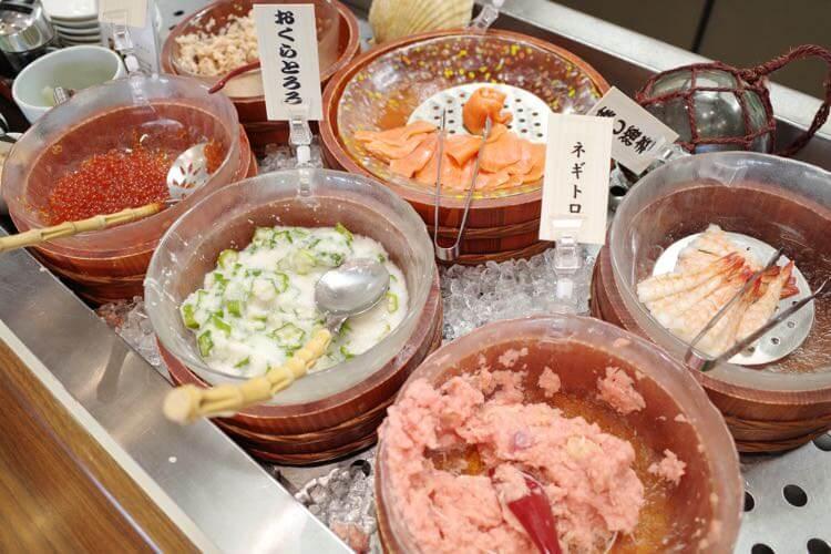 海鮮丼の具材