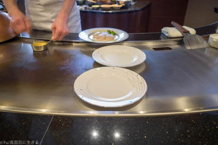 ステーキハウス ハマ 六本木本店 皿もあたためる