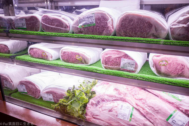 ステーキハウス ハマ 六本木本店 お肉がお出迎え