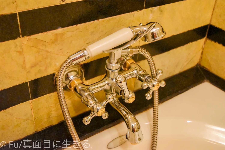 ホテル マジェスティック サイゴン 浴槽のデザイン