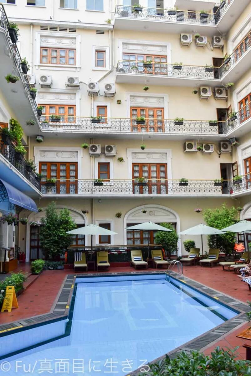 ホテル マジェスティック サイゴン プール