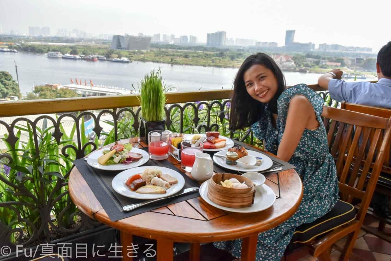 ホテル マジェスティック サイゴン サイゴン川と朝食