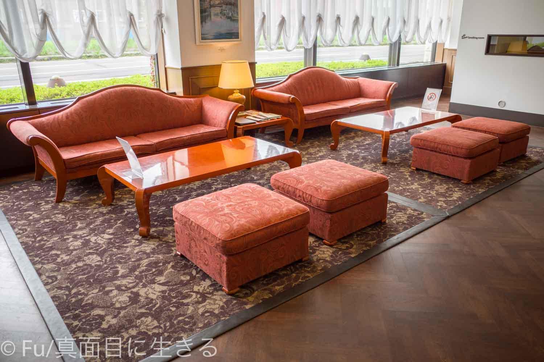 ホテルノルド小樽 ロビーのソファー