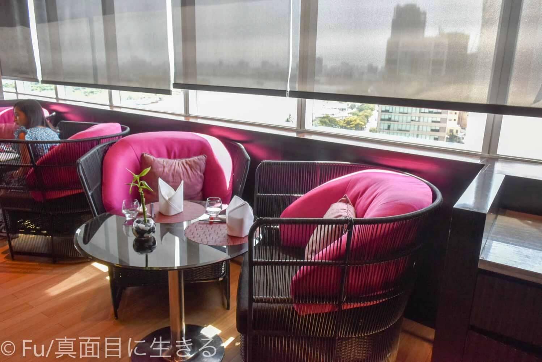 ルメリディアン サイゴン レストランの椅子
