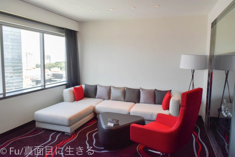 ルメリディアン サイゴン 部屋のソファー