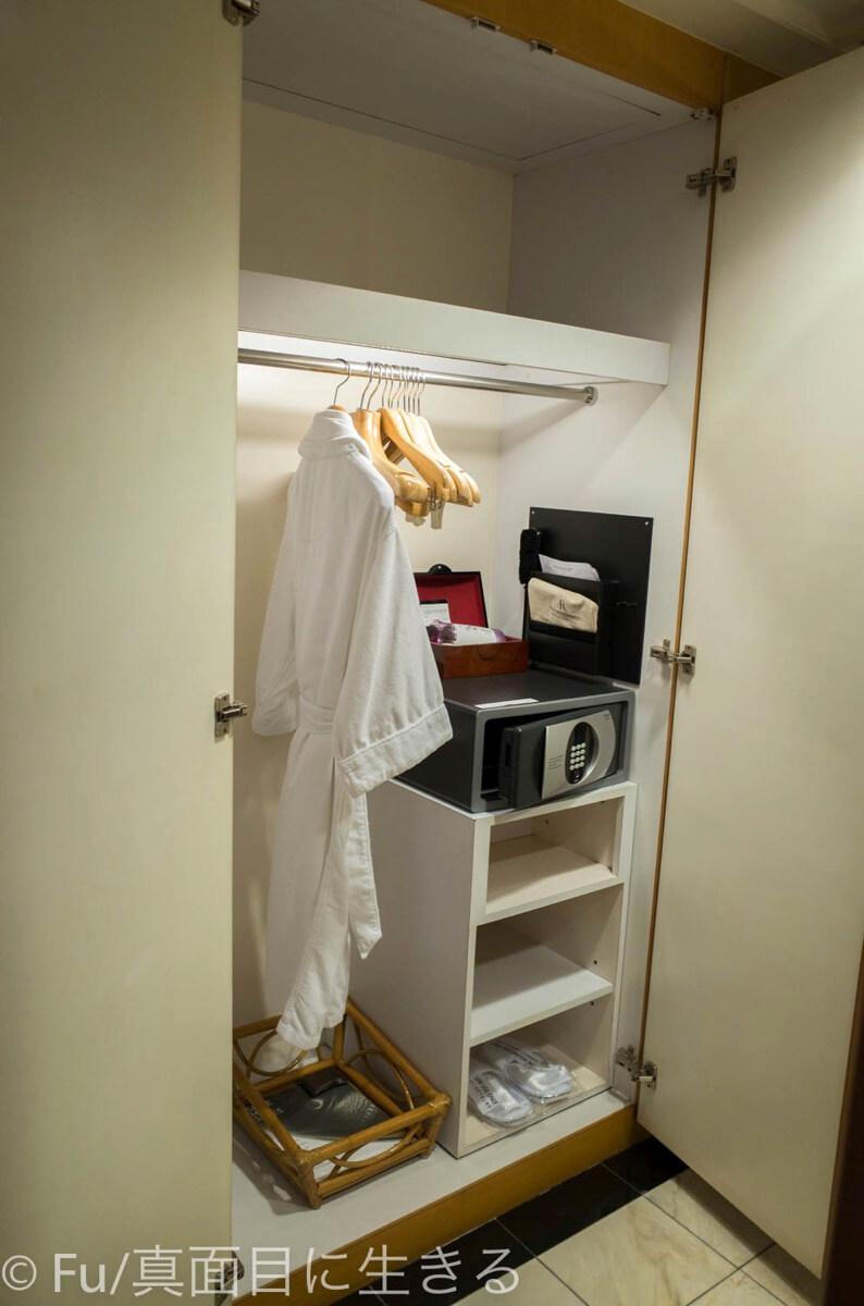 ルネッサンス リバーサイド ホテル サイゴン クローゼット
