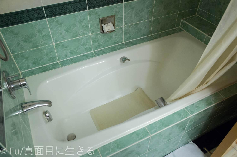 ルネッサンス リバーサイド ホテル サイゴン お風呂