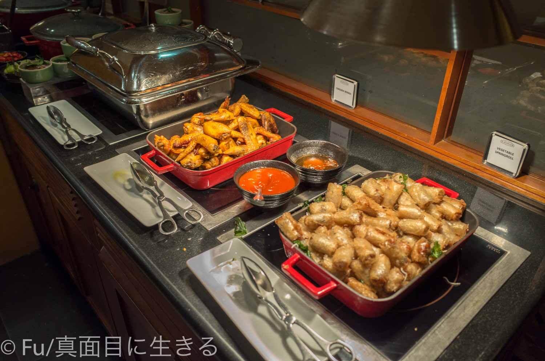 ルネッサンス リバーサイド ホテル サイゴン 夜の料理