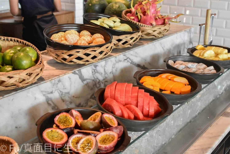 ルネッサンス リバーサイド ホテル サイゴン 果物
