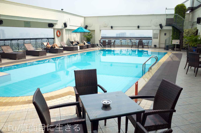 ルネッサンス リバーサイド ホテル サイゴン プール