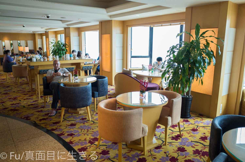 ルネッサンス リバーサイド ホテル サイゴン クラブラウンジ内