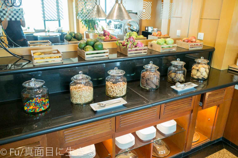 ルネッサンス リバーサイド ホテル サイゴン 軽食