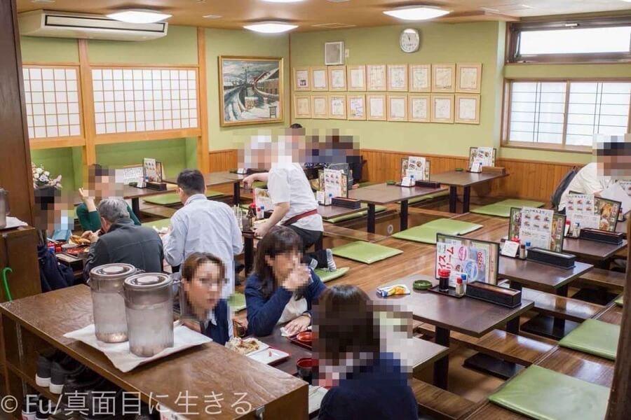 若鶏時代なると 小樽本店 店内お座敷席