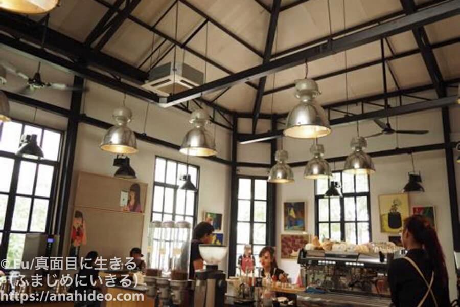 Vietnam english キレイなカフェ
