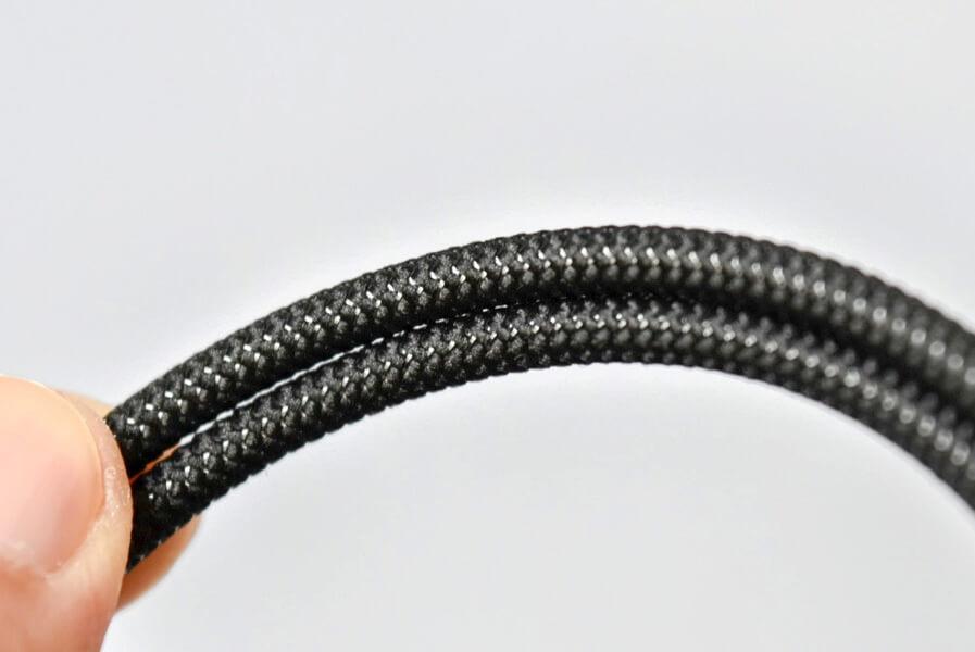 ファイテン RAKUWA磁気チタンネックレス BULLET 紐の部分