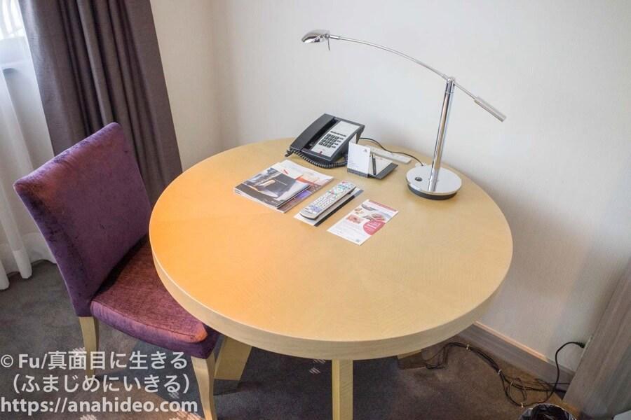東京マリオットホテル デスク