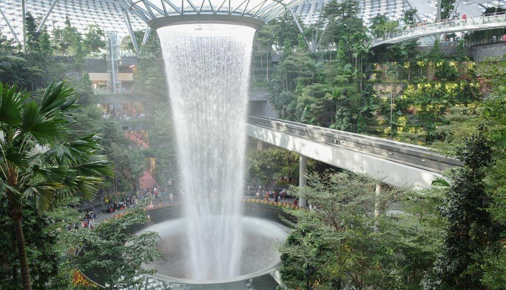ジュエル(シンガポール・チャンギ空港内)【格安チケット】 予約方法・割引クーポン・入場料金の比較まとめ