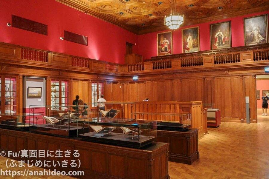 ナショナルギャラリーシンガポール 裁判所の風景