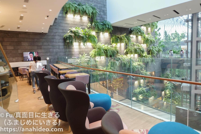 ヨーテル内のカフェ